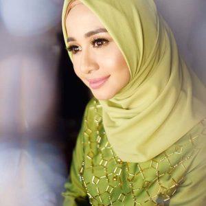 Laudya Cynthia Bella Anggun Cantik Berhijab