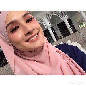 Neera Azizi Artis Melayu Cantik Bertudung