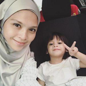Shera Aiyob Dan Anaknya Nadi Anaqi
