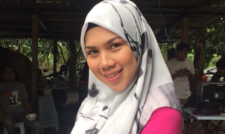 Syafnida Shuhaimi Bertudung