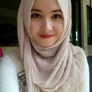 Gadis Berhijab Cute
