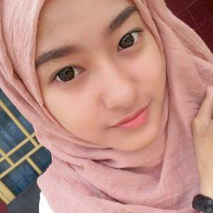 Gadis Cantik Tanpa Makeup