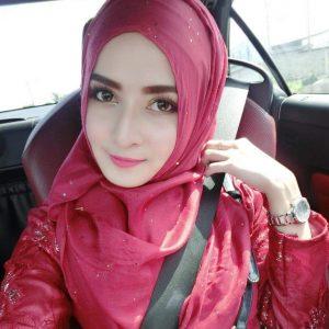 Gadis Melayu Selfie Dalam Kereta