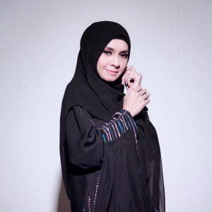 Gaya Muslimah Zizi Kirana