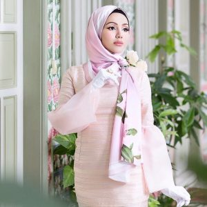 Nadiyah Shahab Cantik Bak Anak Patung