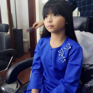 Nur Qistina Raisah Berbaju Kurung Biru