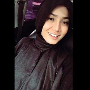 Siti Elizad Sharifuddin Berhijab Cantik