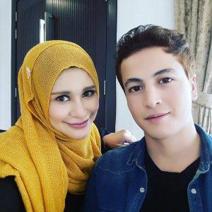 Zila Bakarin Dan Pelakon Kacak Daler Yusof