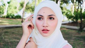 Biodata Aishah Azman, Pelakon Baru Meningkat Naik