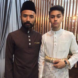 As'ad Motawh Dan Wak Doyok Berbaju Melayu