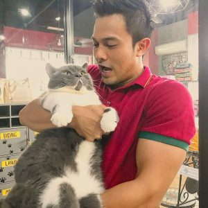 Saharul Ridzwan Dengan Kucing Gemuk Kesayangan
