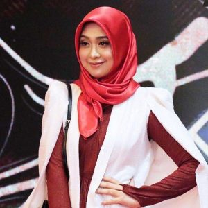 Dayah Bakar Host TV Cantik