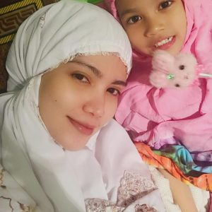 Elyana Dan Anak Perempuannya Cinta Sumayyah