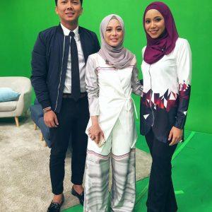 Hana Ismail Dan Vivy Yusof
