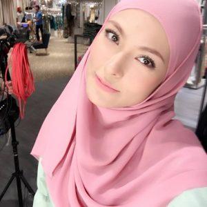 Gaya Muslimah Mona Allen