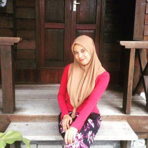Aksi Gadis Melayu Fatin Husna