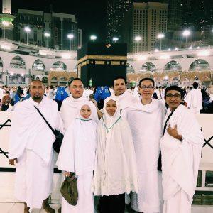 Foto Kayda Aziz Dan Family Menunaikan Umrah