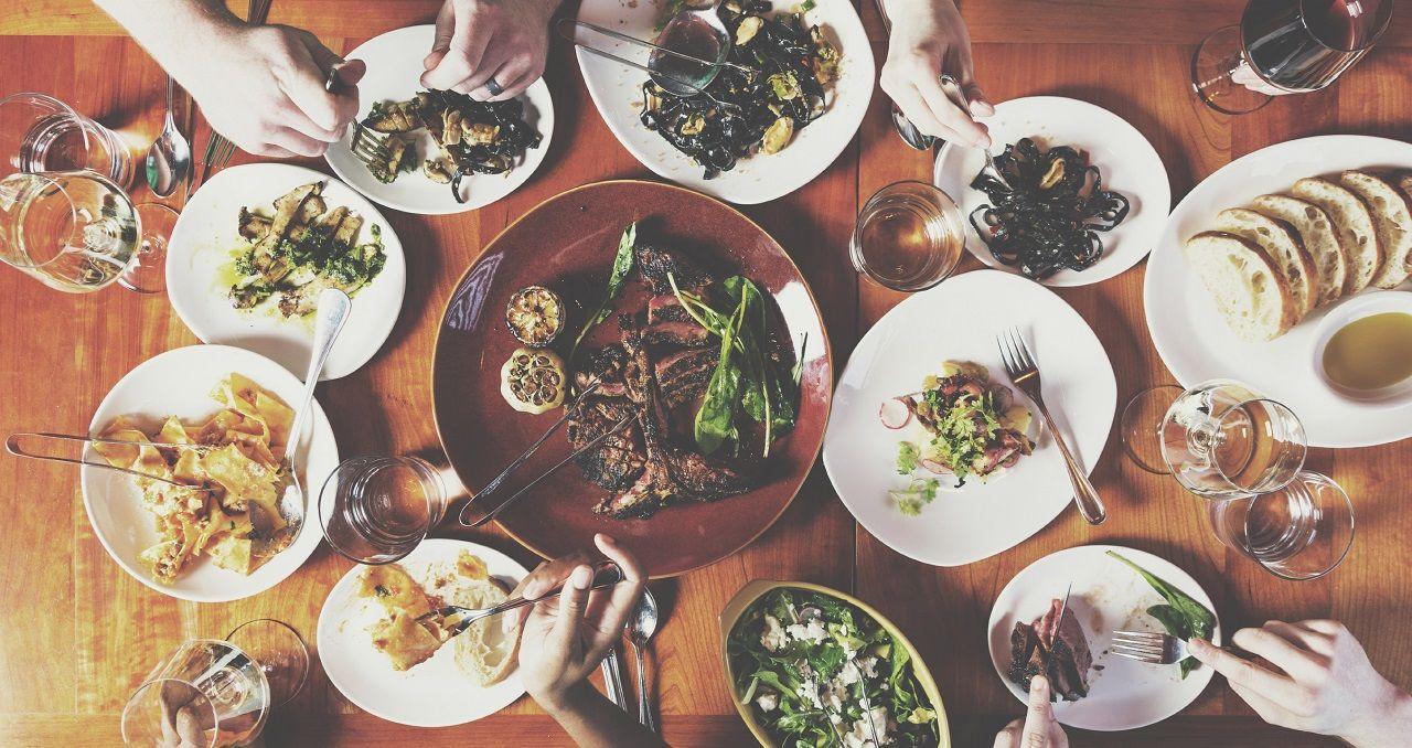 Family Dinner Images