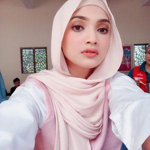 Gadis Melayu Bertudung Paling Cantik (Atikah Suhaime)