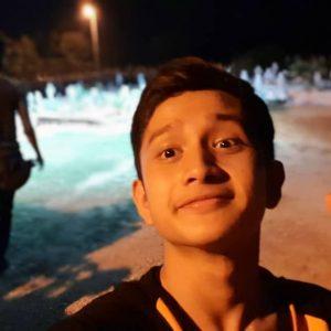Gambar Kontroversi Wafiy Selfie Depan Kubur