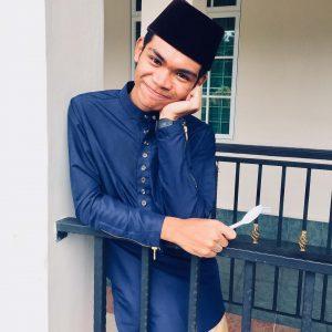 Imej Zynakal Berbaju Melayu Tradisi