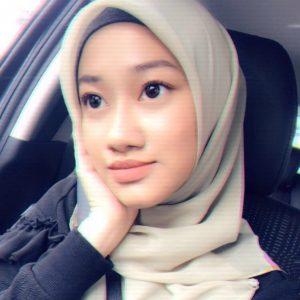 Gambar Cute Dalia Farhana Tanpa Cermin Mata