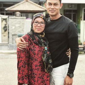 Gambar Hafiz Nolan Dan Ibunya