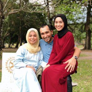 Gambar Ibu Bapa Sharifah Rose