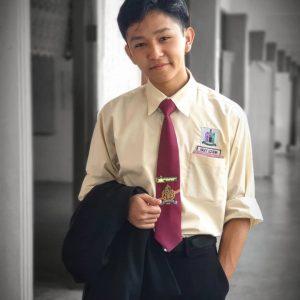 Foto Fikry Kiki Pakai Baju Sekolah