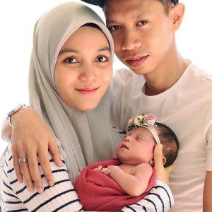 Gambar Keluarga Syahmi Sazli, Isteri Dan Baby