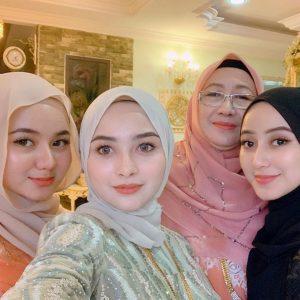 Syima Eima Di Samping Adik Beradik Dan Ibu Kandung