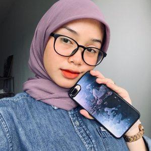 Bunga Isme Selfie