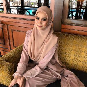 Natrah Khalid Cantik Bertudung