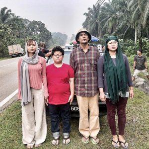 Pelakon Kampung People