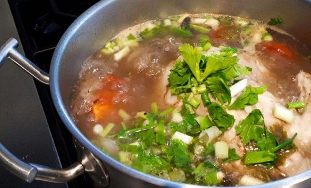 Resepi Sup Ayam Yang Mudah dan Simple
