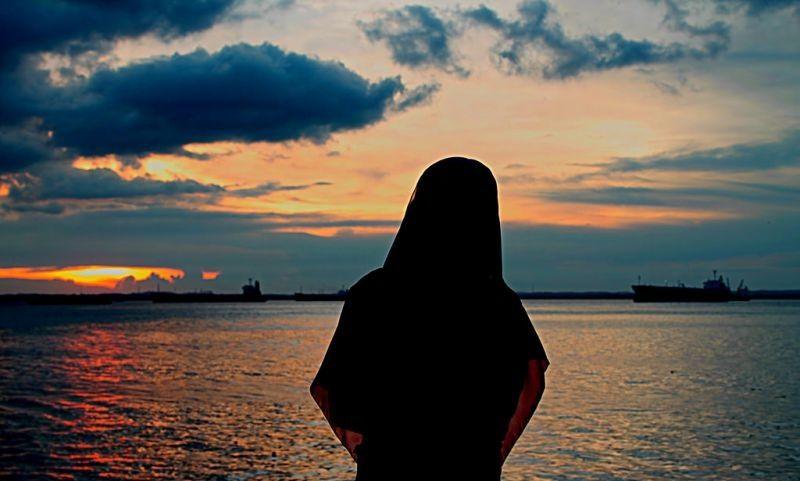 Hijab Dari Belakang