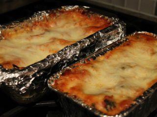 Lasagna Yang Dimasak Dalam Bekas Aluminium
