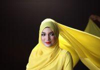 Amyra Rosli Berhijab Kuning Photoshoot Seindah Takdir Cinta
