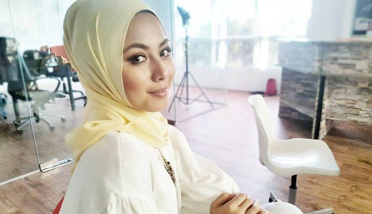Permalink to Biodata Azar Azmi, Pelakon Kelahiran Dewi Remaja
