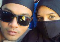 Deena Emir Berpurdah Dan Suami Saharul Ridzwan Menunaikan Umrah Di Mekah