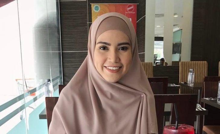 Permalink to Biodata Elyana, Penyanyi Yang Pernah Popular Dengan Lagu Kalis Rindu