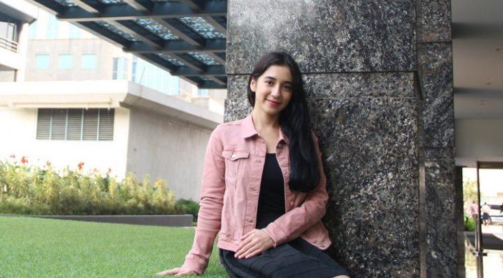 Permalink to Biodata Farali Khan, Aktres Cantik Black Belt Kaler Pink