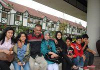 Gambar Keluarga Ibubapa Dan Adik Beradik Amira Othman Original