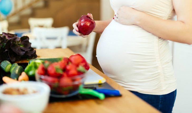 Permalink to Kebaikan dan Keburukan Vitamin A Bagi Wanita Hamil