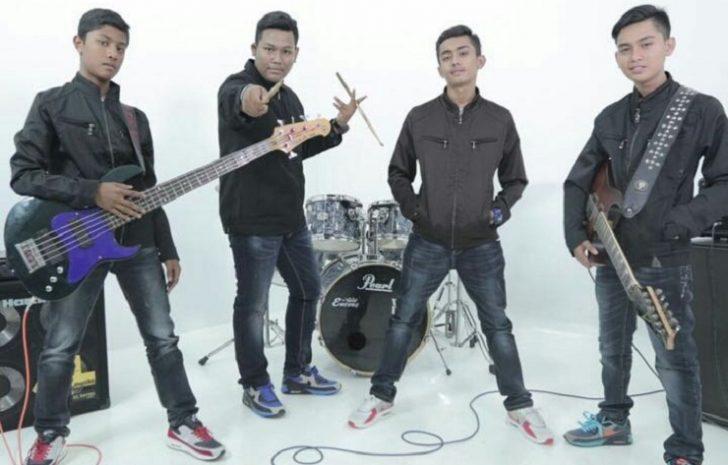 Permalink to Biodata Haziq Putera Band Yang Popular Dengan Lagu Rebahku Tanpamu