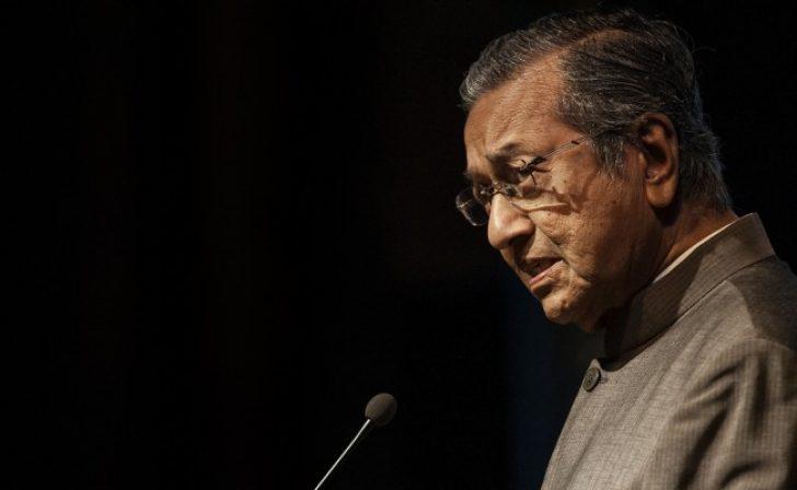 Permalink to Sajak Perjuangan Yang Belum Selesai oleh Mahathir Mohamad