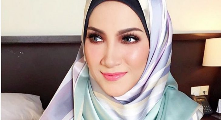 Permalink to Biodata Sherry Ibrahim, Artis Dengan Transformasi Hijab