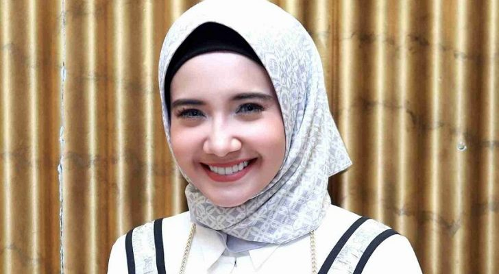 Permalink to Biodata Zaskia Sungkar, Aktres Cantik Milik Irwansyah